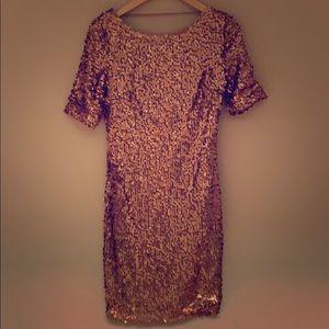 💛 NWOT Gold Sequin knee length dress!